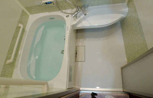 after:ノーリツのユパティオ リズ。手摺りの位置などショールームで確認し、安心あして入れる浴室に生まれ変わりました。