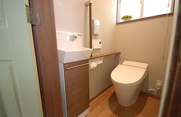 耐震補強と同時に実現した高機能なトイレ空間