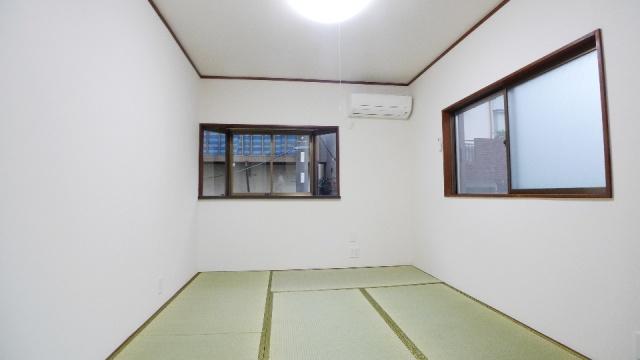 After:壁紙、畳、エアコン、照明器具、全て新しく明るいお部屋に大変身!
