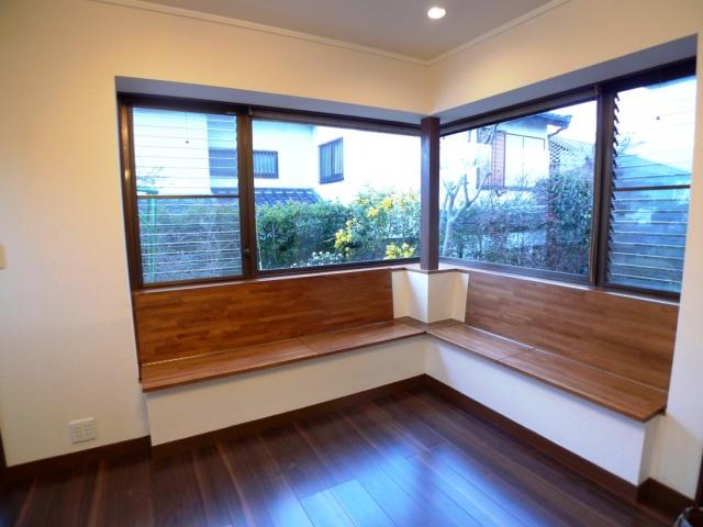after:家具職人さんに頼んで楢の木で特注のベンチを作ってもらいました