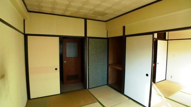 before:既存は築25年の和室に押入れという昔ながらのアパート。