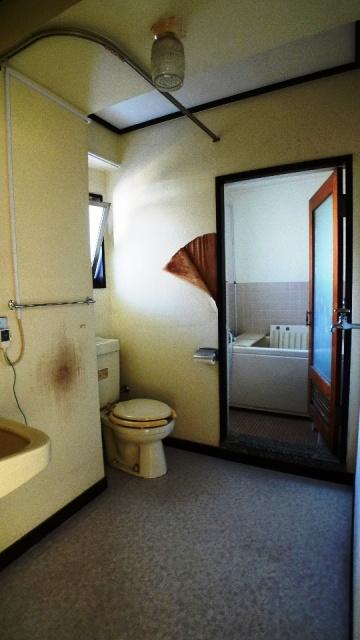 before:トイレが個室になっていないので少し落ち着かない洗面室でした。