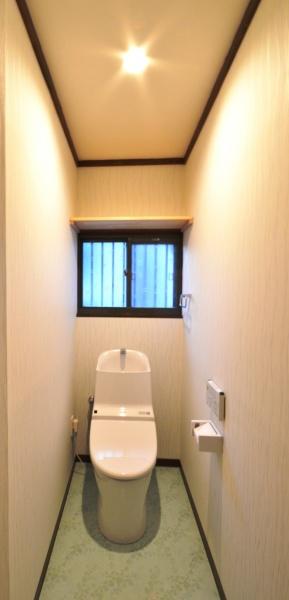 after:トイレはとにかくすっきり掃除がしやすいようにと選んだのはTOTOのGGトイレ。手洗いが低くて使いやすいのも特徴です。