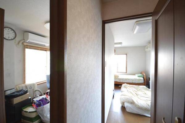 Before:北側と南側に間仕切られた2つの居室