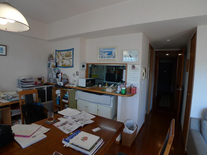 Before:カウンター式のキッチンでしたが、収納が上手くできず、いつも片づけににくいのがご不満でした。