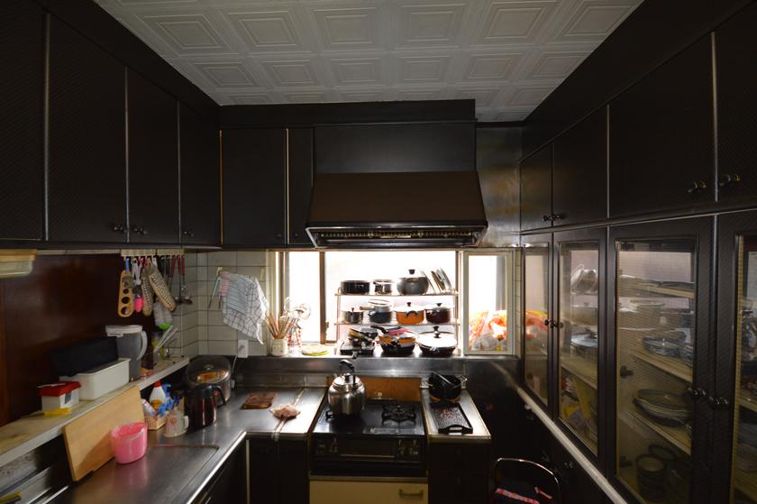 Before:無駄なスペースをどうにかしたかったL型キッチン
