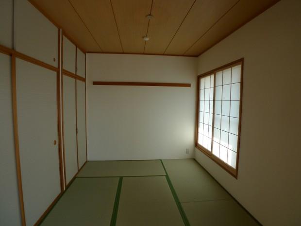 after:国産井草を使用した畳敷きの和室
