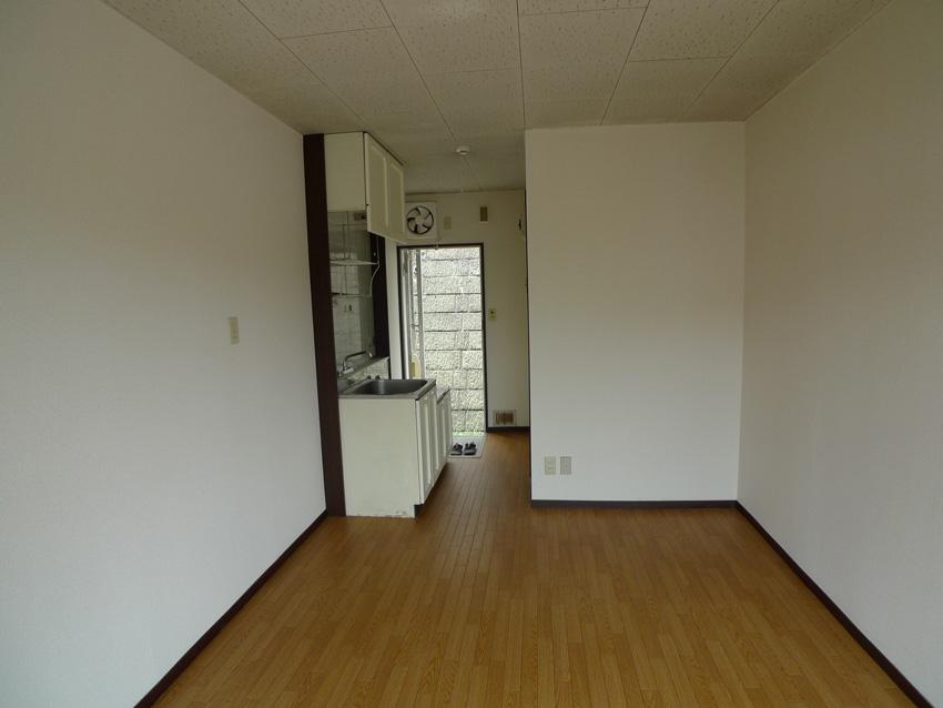 Before:既存はワンルームアパートが4部屋ありました。
