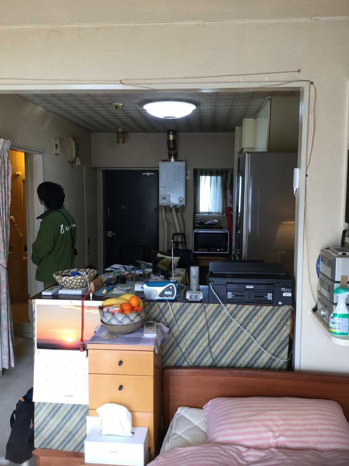 before:玄関ドアから丸見えの室内、来客時のお部屋の中への視線にお困りでした。