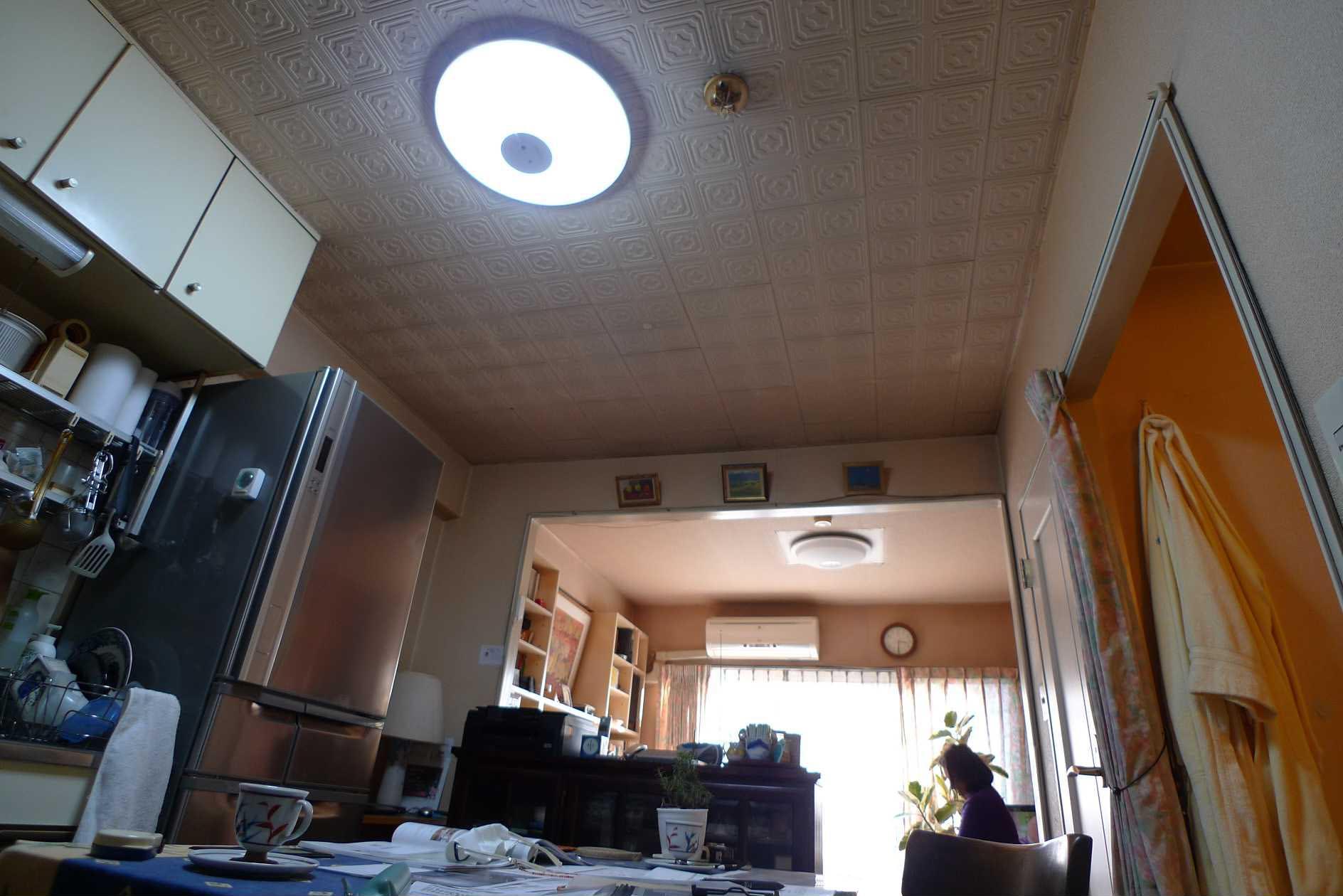 before:1DKのお部屋をお気に入りの家具で仕切ってレイアウトされていました。
