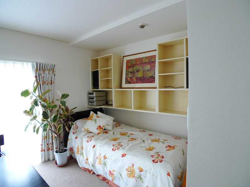 after:カーテン、ベッドスプレッド、クッションもご提案、お部屋の雰囲気にぴったりです。