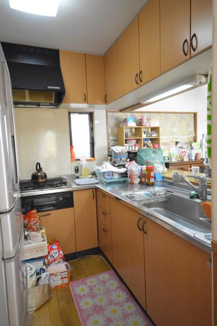 before:ガスコンロ下収納が使えないL型キッチン