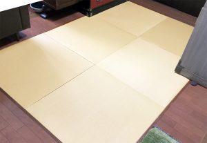 After:素足の感触が気持ち良い和紙畳。畳の目の方向を互い違いにすることで、同じ色でも表情が変わります。