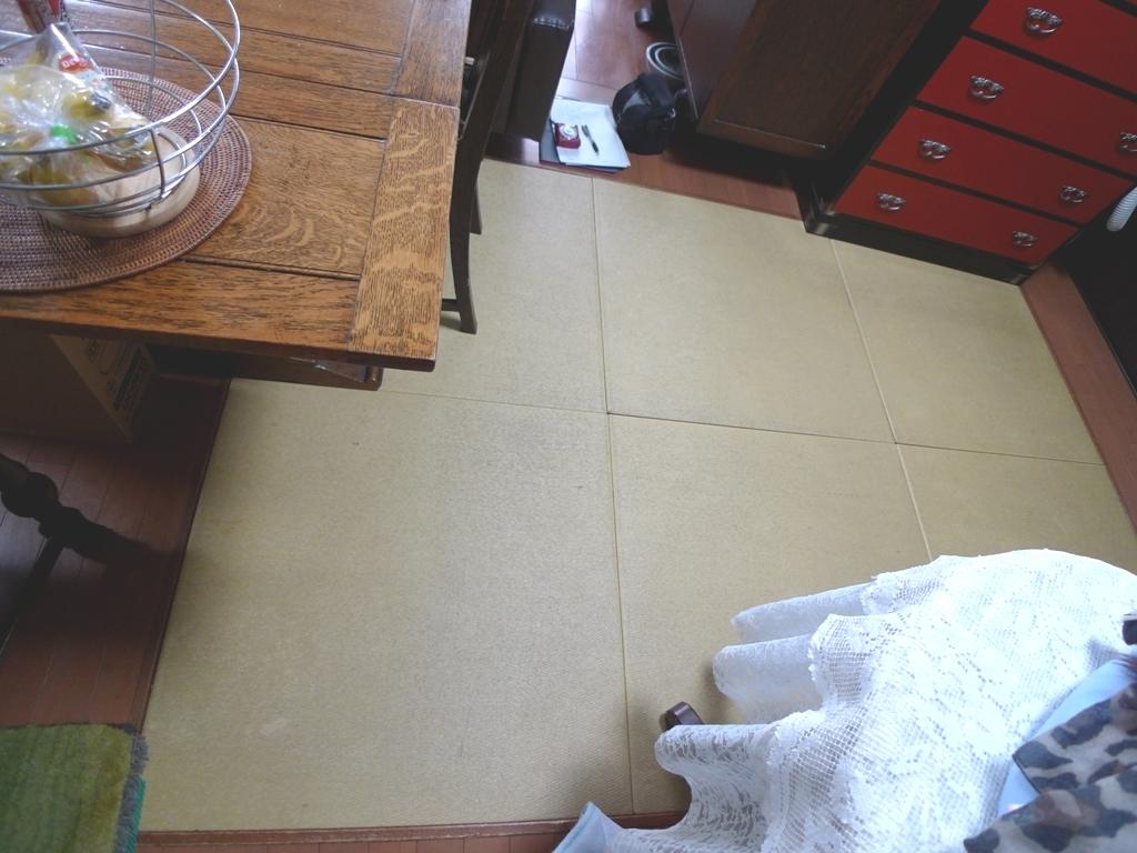 Before:13年使い続けた畳。汚れや傷みが目立ちます。