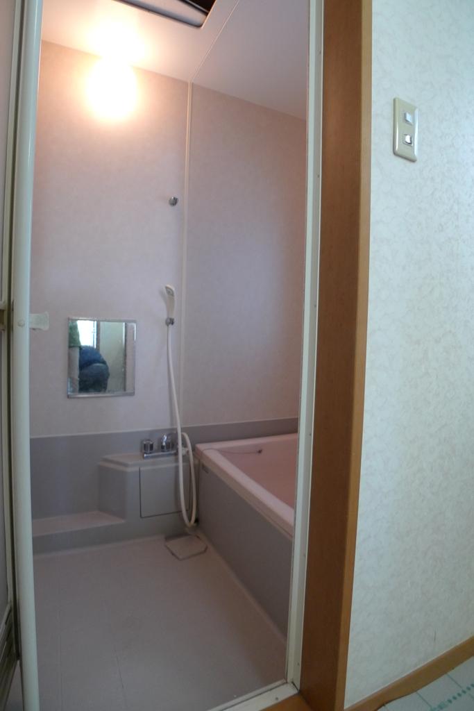 before:まだ使えるかな…リフォーム前の浴室